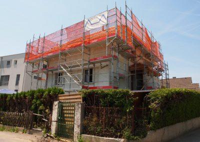 Montage d'échafaudages pour une villa à Châtel-St-Denis