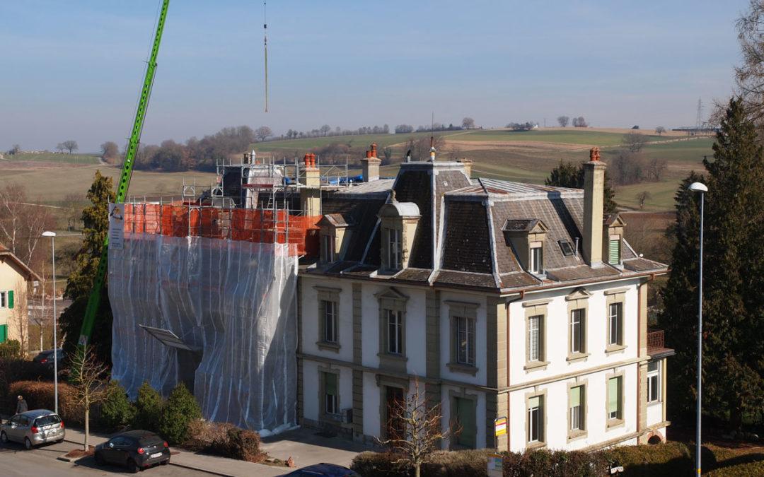 Echafaudages de façades bâtiment à l'avenue de Jomini 8 à Avenches