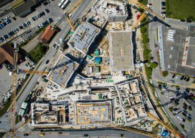 Pré des Comptes à Romont – 7 bâtiments à échafauder avec tour de contreventement